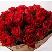 51 алая роза Кении