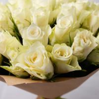51 белая роза Кении