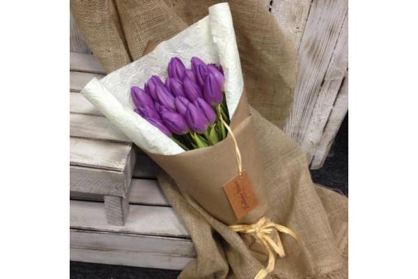 "Букет из 21 тюльпана ""Крафт"""